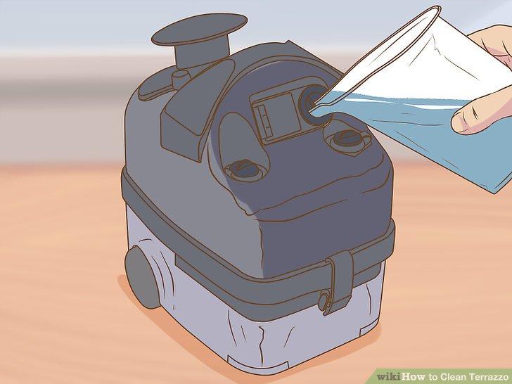 Füllen Sie den Dampfreiniger mit Wasser.