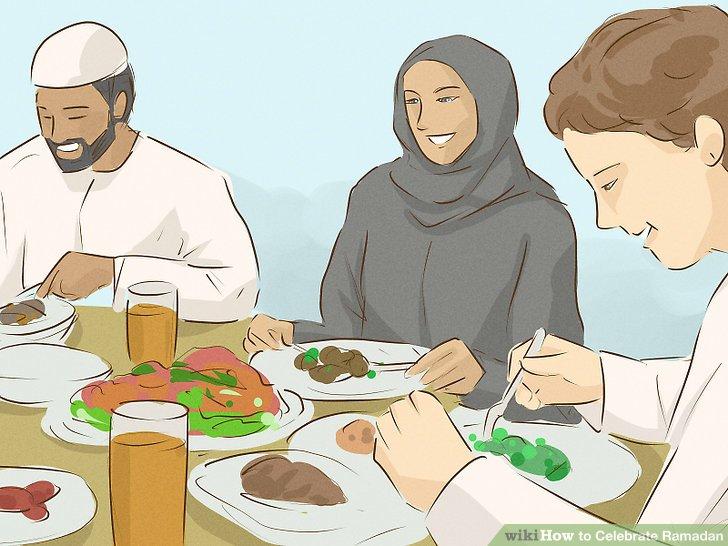 Brechen Sie das Fasten mit Freunden und Familie.