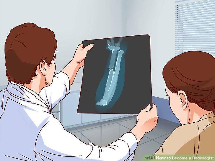 Tıp kliniğinde veya hastanede radyolog olarak pratik yapın.
