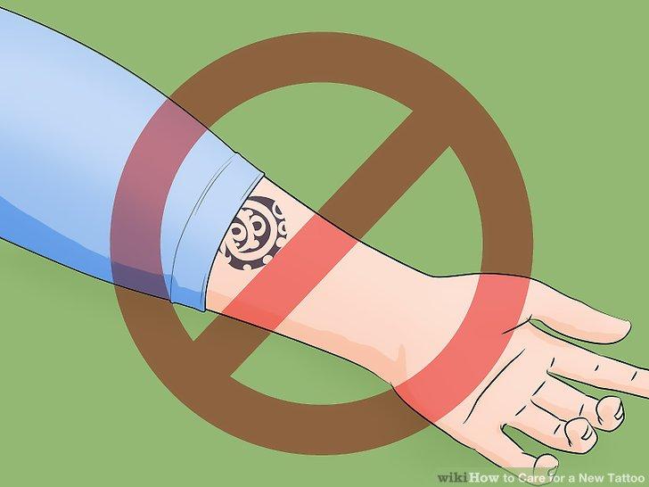 Vermeiden Sie, das Tattoo in Wasser einzuweichen.