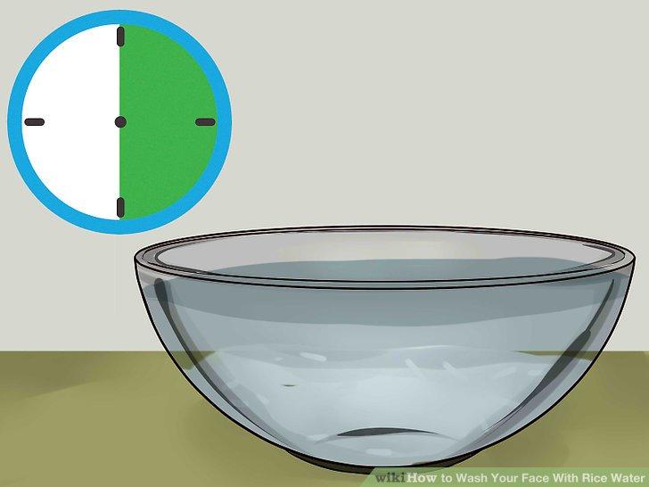 Weiche deinen Reis 15-30 Minuten lang ein, um verdünntes Reiswasser zu erhalten.
