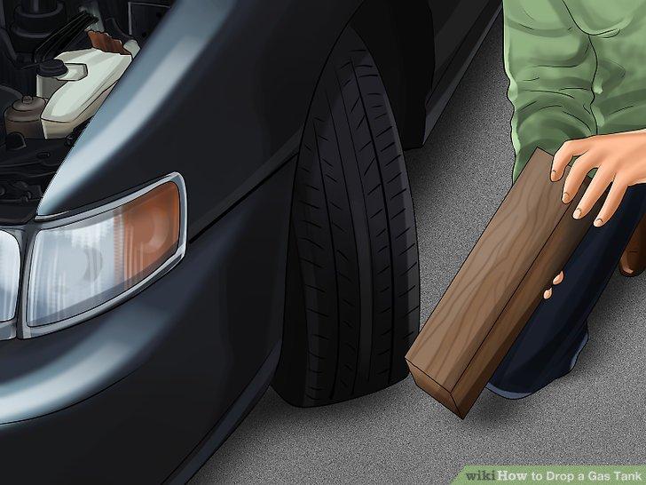 Stellen Sie sicher, dass die Vorderräder des Fahrzeugs nicht rollen, während Sie es anheben oder darunter arbeiten.