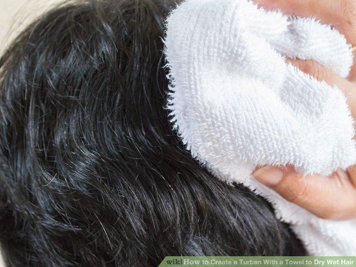Tupfe dein Haar trocken.