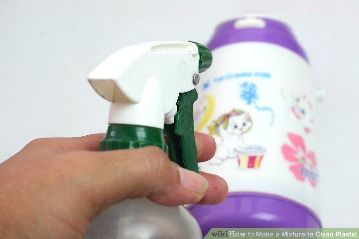 Lösung auf Kunststoff wischen oder aufsprühen.