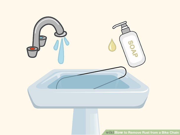 Spülen Sie den Limettensaft nach dem Entfernen des Rosts mit Seifenwasser ab.