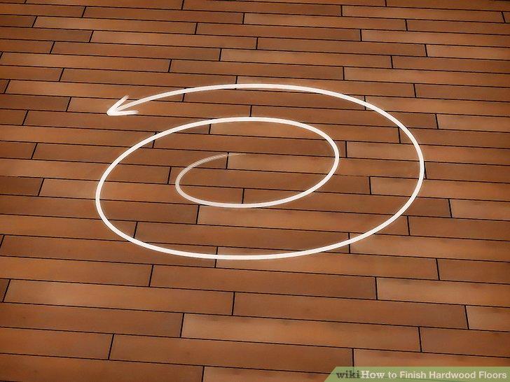 Beginnen Sie mit dem Schleifen in der Mitte des Bodens und bearbeiten Sie die Kanten nach außen.