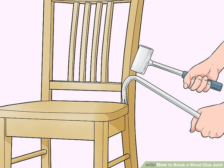 Hämmern Sie das flache Ende einer Brechstange oder eines Flachstabs zwischen die Fuge.
