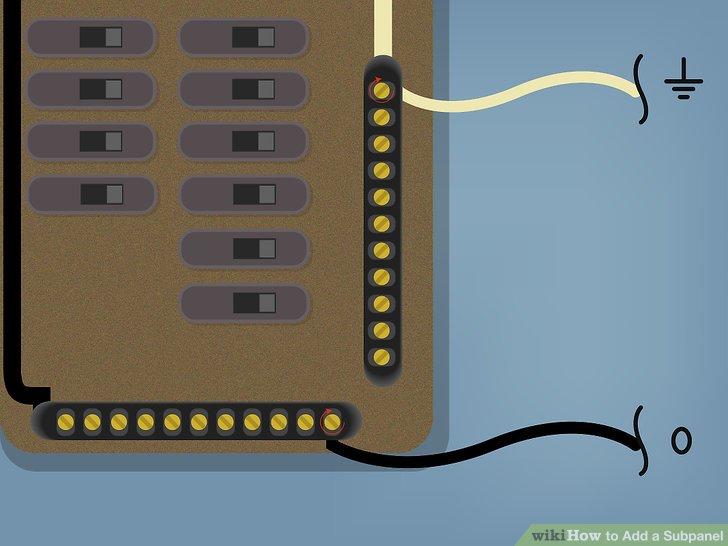 Stecken Sie die Neutral- und Erdungsleiterverbindungen in die offenen Anschlusslöcher der Neutral- / Erdungsschiene in der Hauptverkleidung und ziehen Sie die Schrauben, Klemmen usw. fest.