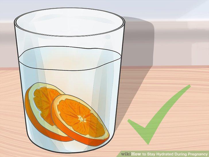 Versuchen Sie, Ihr eigenes aromatisiertes Wasser herzustellen.