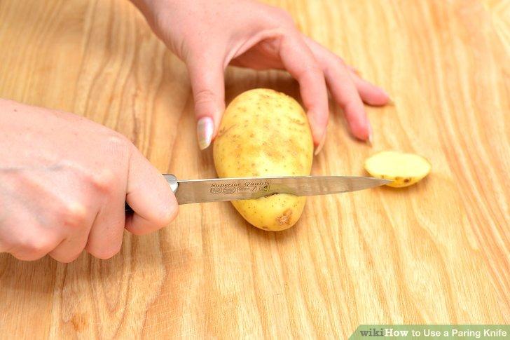 Drehen Sie das Obst herum und wiederholen Sie es am anderen Ende.