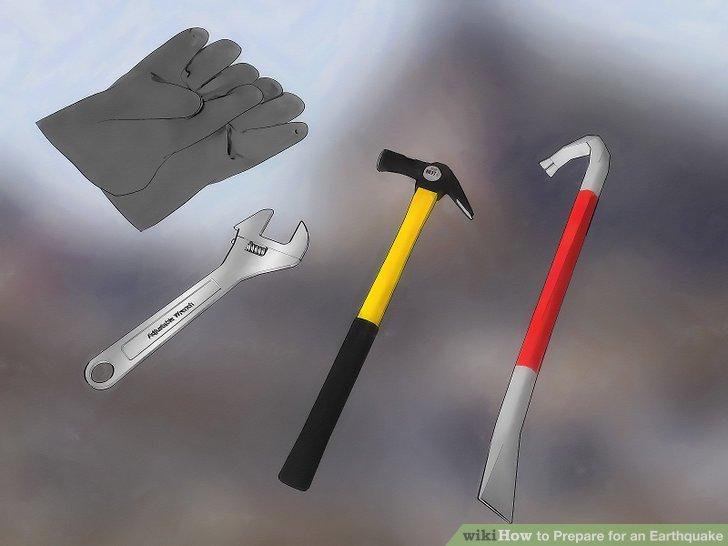 Stellen Sie ein grundlegendes Werkzeug zusammen, das Ihnen im Notfall helfen kann, das Haus zu verlassen.
