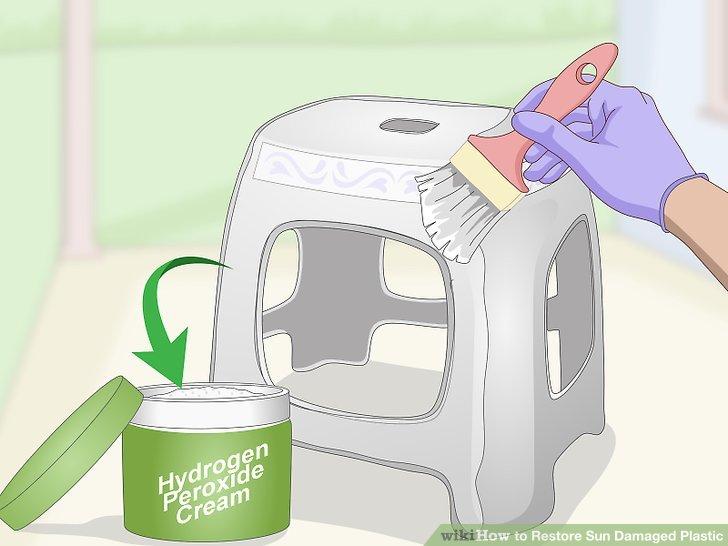 Malen Sie Wasserstoffperoxidcreme über den verfärbten Bereich.