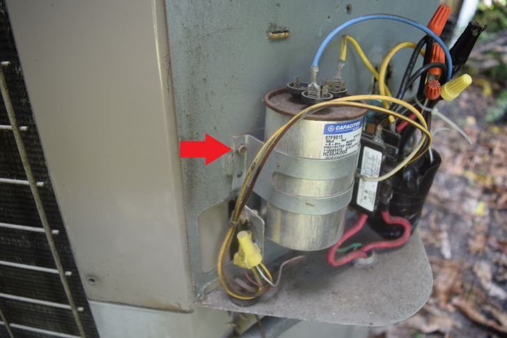 Ac Dual Capacitor Wiring Diagram How To Replace An Air Conditioning Unit S Run Capacitor