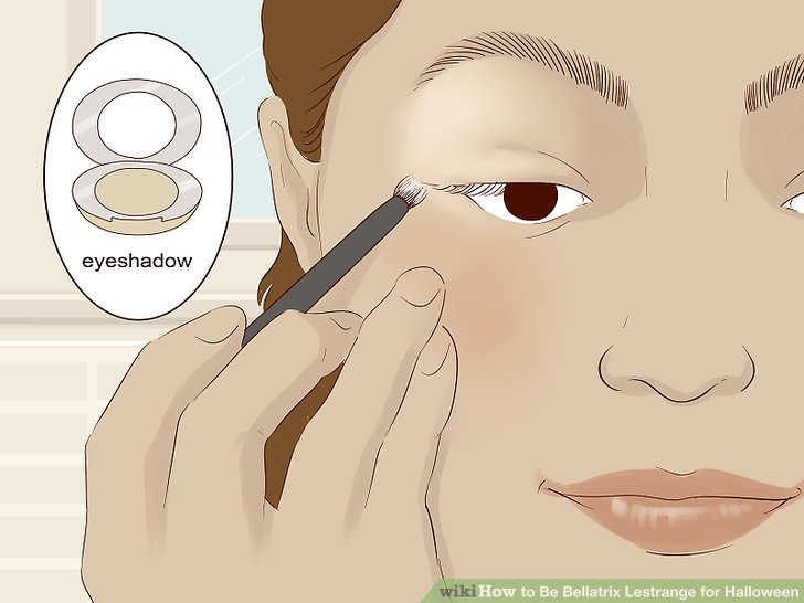 Apply the brown eyeshadow to your eyelids.