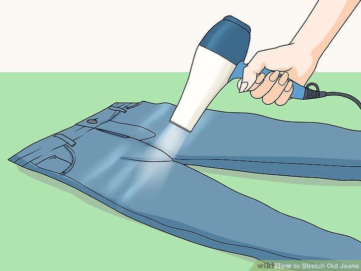 Lege die Jeans auf den Boden oder dein Bett.