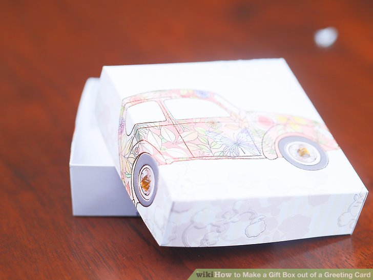 When your box is dry, place your gift or other small objects inside.