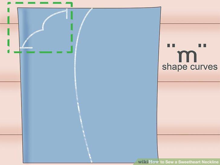 Zeichnen Sie eine Kurve von der Oberseite Ihres Oberteils zur Mitte des Halsausschnitts.