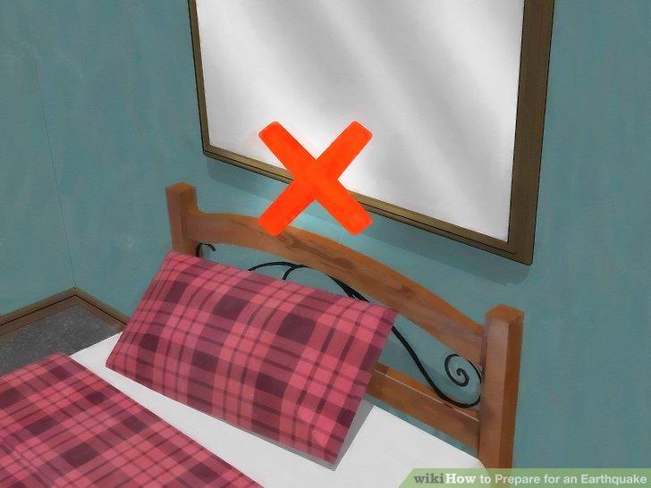 Entfernen oder sichern Sie hängende Gegenstände aus den Sitz- und Schlafbereichen.