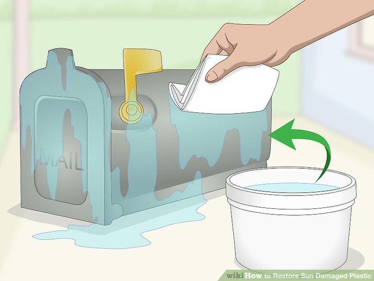 Waschen und trocknen Sie die Kunststoffoberfläche.