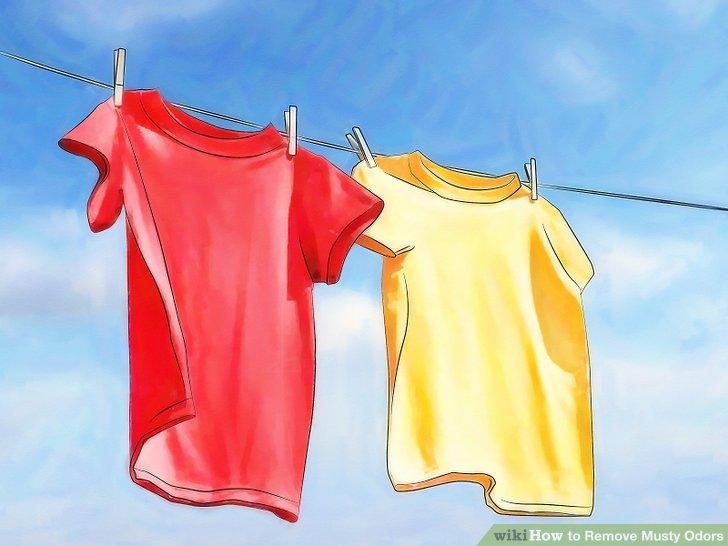 Kleidung nach dem Waschen aufhängen.