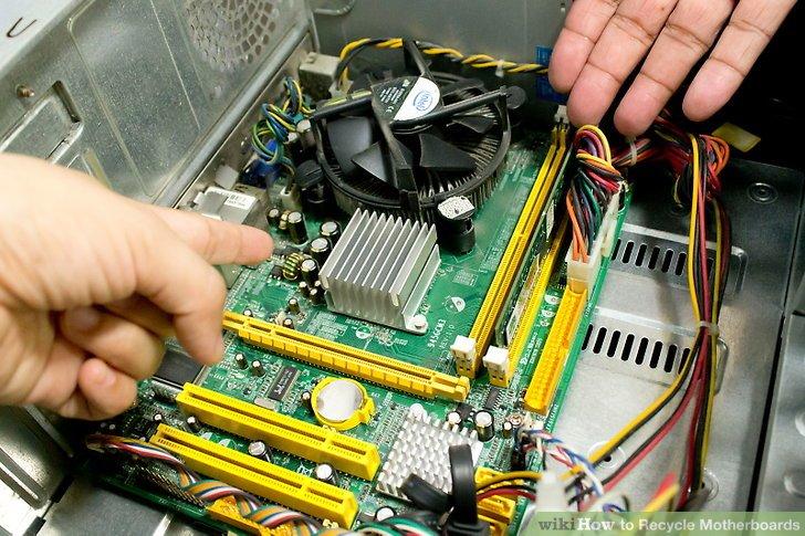 Bringen Sie Ihre Motherboards zu einem Recycling-Zentrum für Elektroschrott.