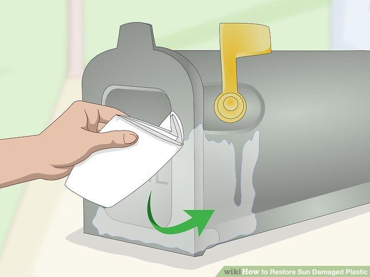 Wischen Sie das Poliermittel mit einem Mikrofasertuch ab.