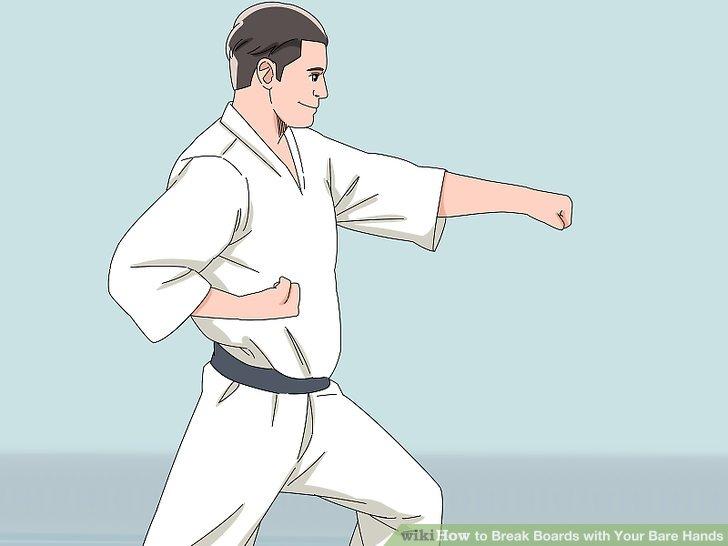 Entscheide dich für einen geraden Schlag, um das Board mit deinen Knöcheln zu brechen.