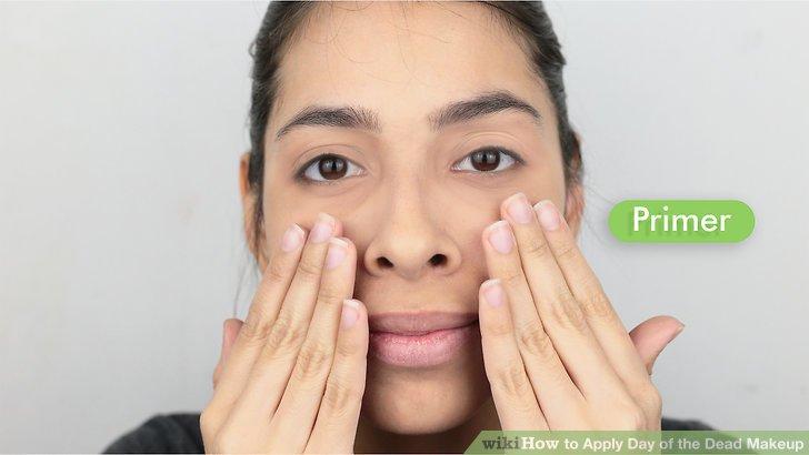 Waschen Sie, befeuchten Sie und spülen Sie Ihr Gesicht.