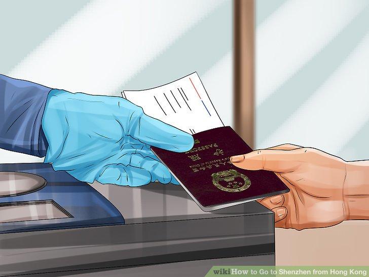 Zeigen Sie Ihren Reisepass und Ihr Visum, wenn Sie beim Zoll gefragt werden.
