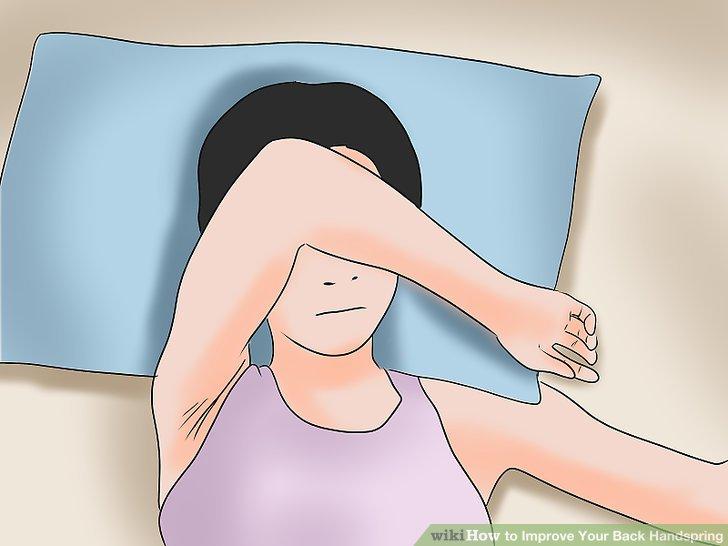 Halten Sie Ihren Rücken während der gesamten Handfeder relativ gerade.