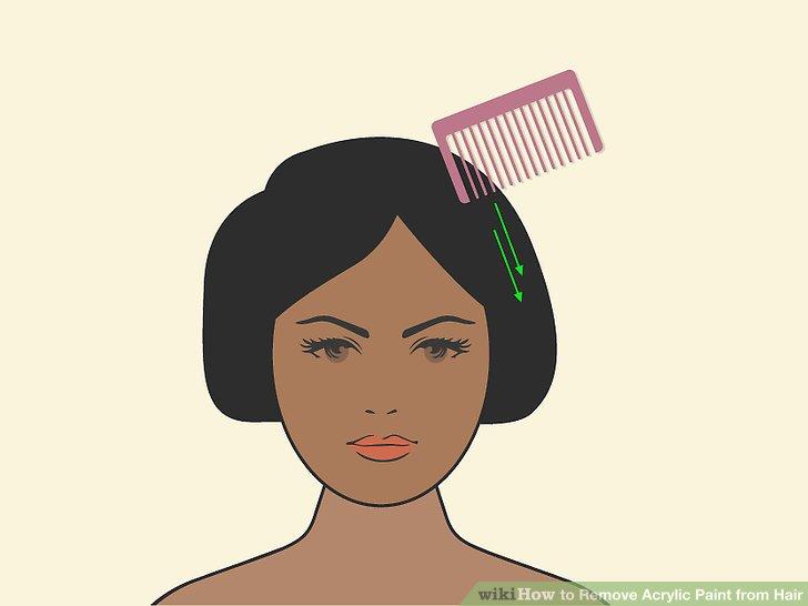 Verwenden Sie einen Kamm mit feinen Zähnen, um die erweichte Farbe zu entfernen.