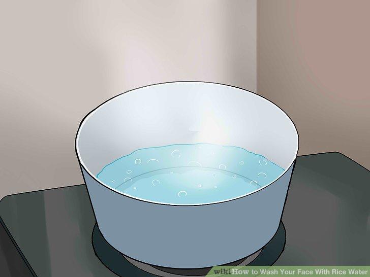 Kochen Sie Ihren Reis für konzentriertes Reiswasser.