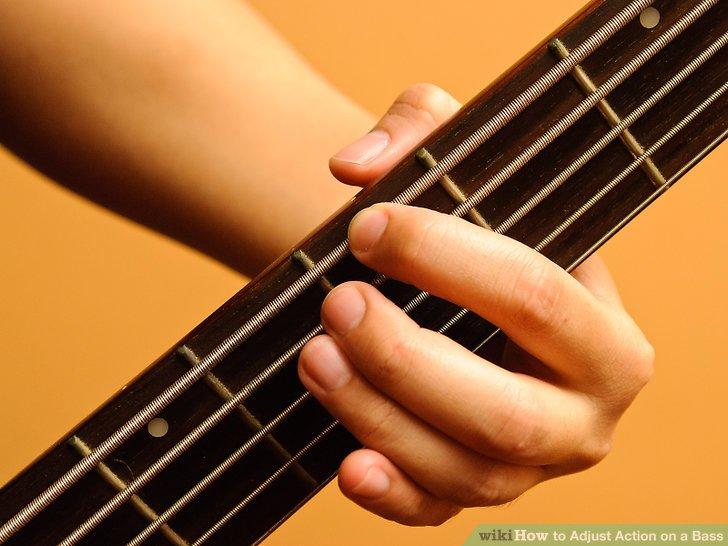 Testen Sie Ihre Aktionseinstellungen, indem Sie an jedem Bund Ihren Bass spielen.