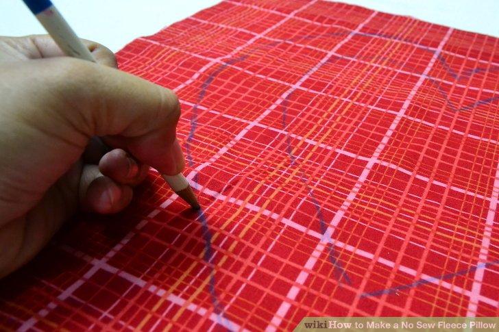 Zeichnen Sie eine zweite Form um die erste und lassen Sie einen Rand von 5,08 bis 10,16 cm zwischen ihnen.