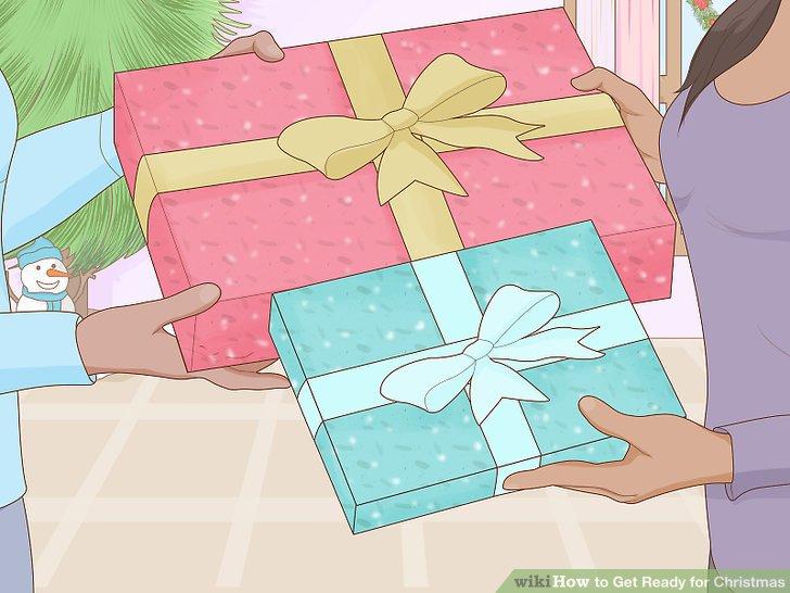 Planen Sie einen Geschenkaustausch mit Kollegen.