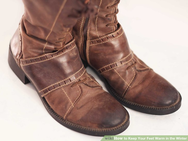 Wear appropriate boots, such as winter boots that are waterproof.