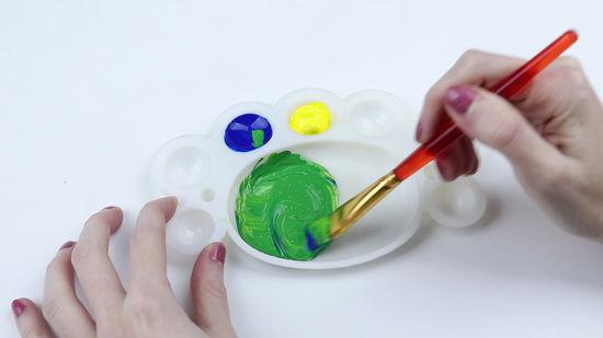Impariamo A Mescolare I Colori Per Ottenere Il Colore Desiderato