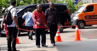 Datangi KPK, Gubernur Papua Klarifikasi Soal Harta Kekayaannya