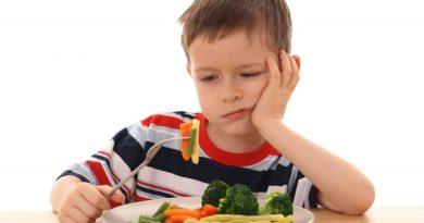 4 makanan ini sebaiknya tidak diberikan kepada si kecil