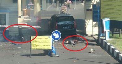 Ini Dia Polisi Yang Menyelamatkan Anak Saat Teror Bom Terjadi