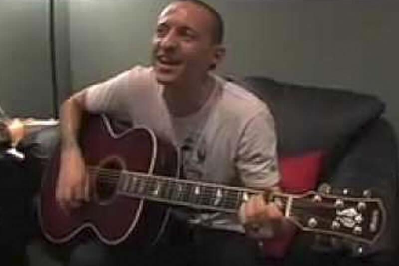 Linkin Park divulga vídeo de Chester Bennington cantando sobre unicórnios e pirulitos