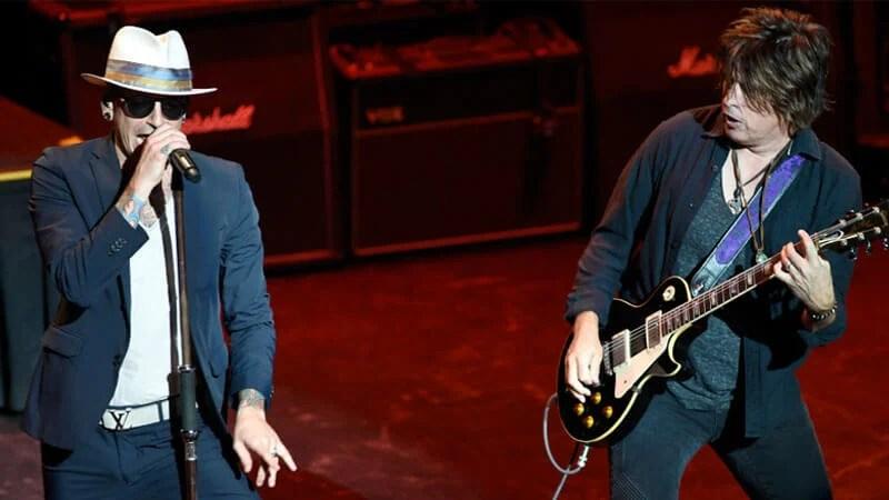 Chester Bennington e Stone Temple Pilots