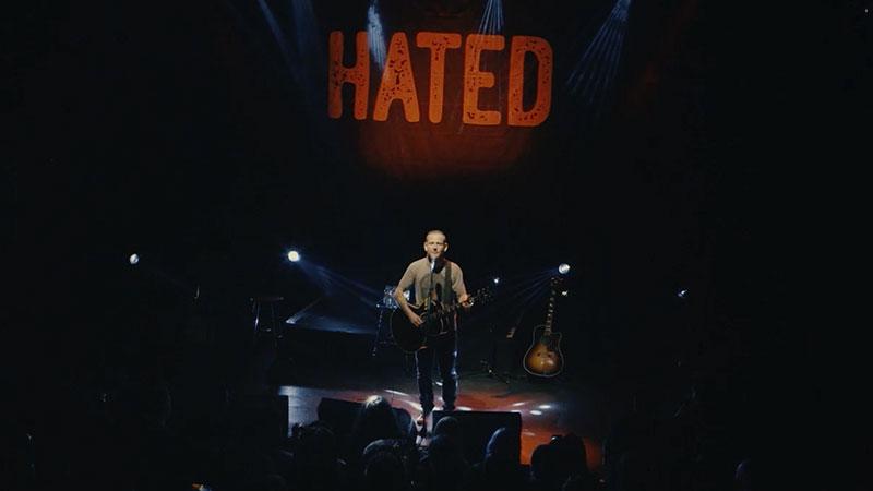 Corey Taylor disponibiliza show solo na íntegra