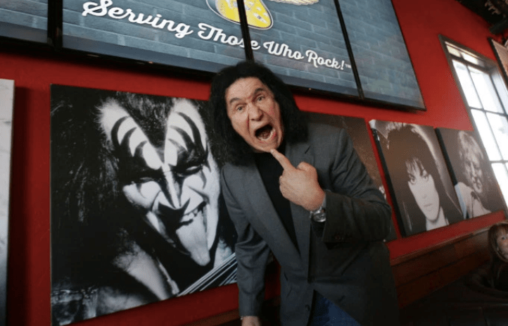 Gene Simmons acusado de assedio sexual
