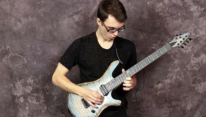 Guitarrista toca The Beatles, Ramones e Green Day no estilo de Dragonforce