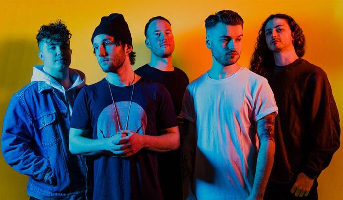 Banda Shvpes em promoção do álbum Greater Than