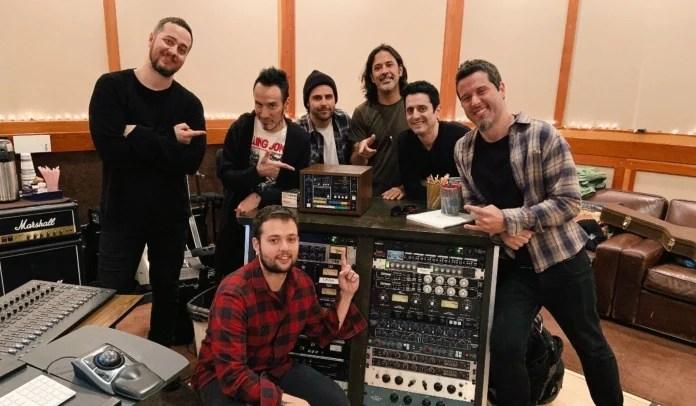 O baterista do Stone Sour grava com Ego Kill Talent