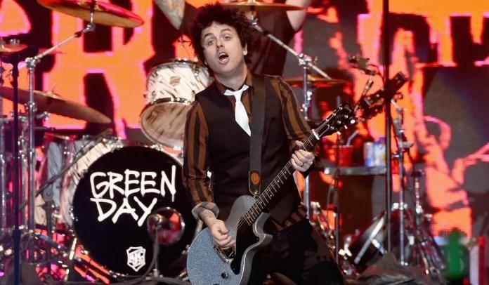 """Gravação de """"Stay"""", do Green Day"""