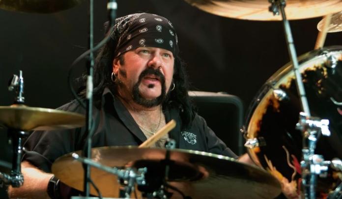 Vinnie Paul não apareceu no tributo In Memoriam do Grammy