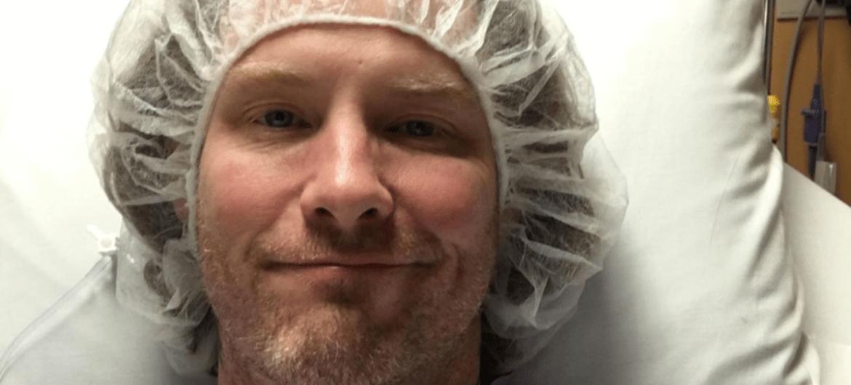 Corey Taylor volta para o hospital para nova cirurgia no joelho